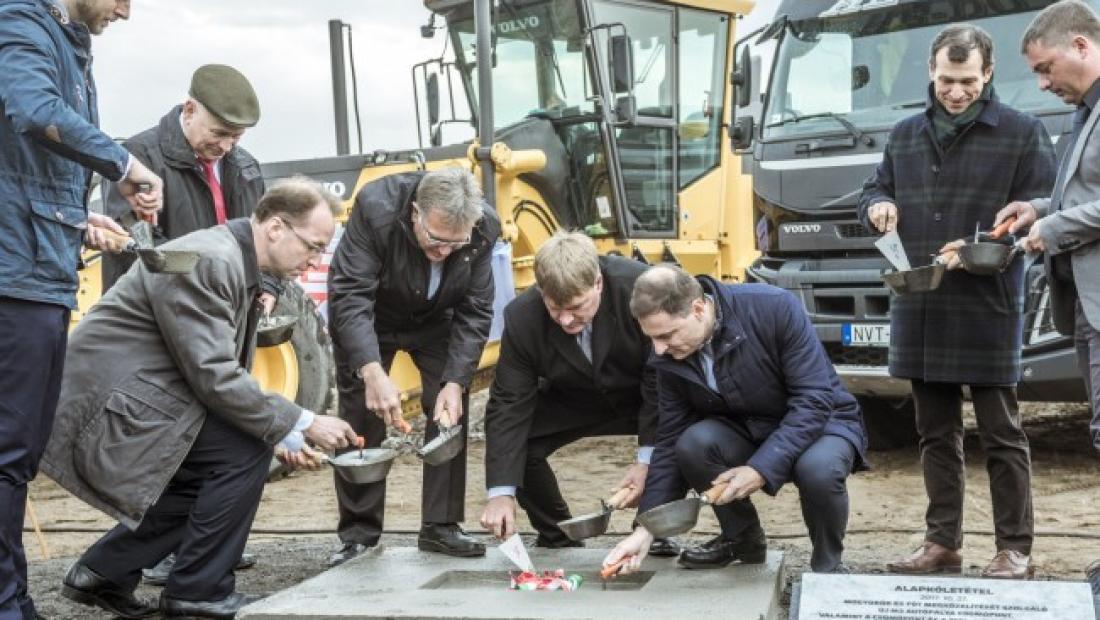 Új M3 autópálya csomópont kivitelezése
